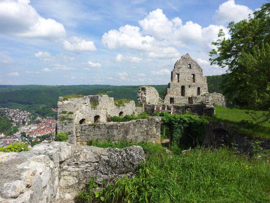 Fehlt nur noch das Ritter Kostüm: die Burg Hohenurach bei Bad Urach!