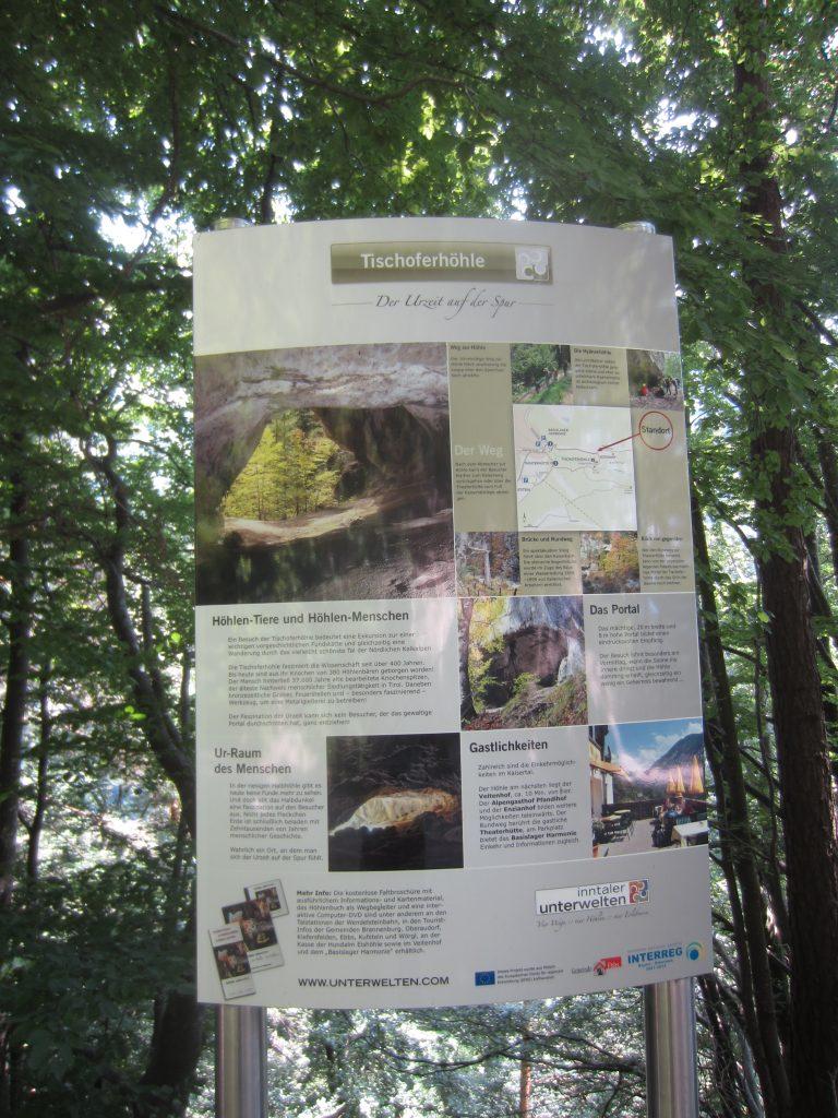 Die Tischoferhöhle in Kufstein ist nur wenige Meter von der eigentlichen Wanderroute durch das Kaiserbachtal erreichbar!
