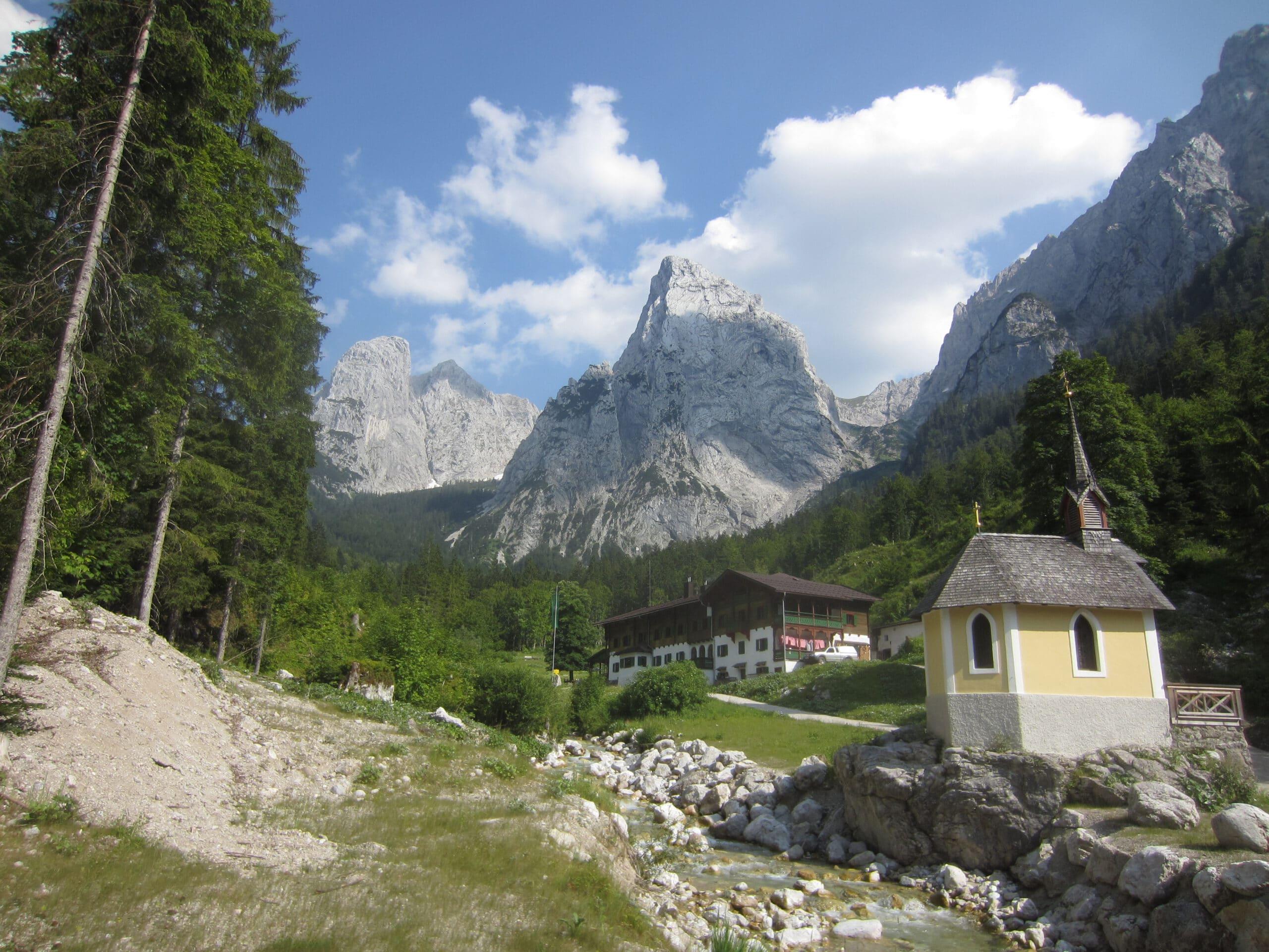 Sensationelle Aussichten gibt es beim Wandern vom Anton-Karg-Haus aus in Hinterbärenbad!