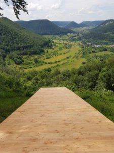 Eine Startrampe am Wald- und Wasserweg in Bad Überkingen lädt zum Abheben ein!