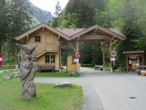 Wir wandern von St. Johann in Südtirol aus zum Eingang des Kaiserbachtal. Dieser ist natürlich auch per Auto erreichbar.