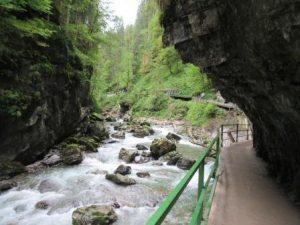 Wandern in der Breitachklamm bei Oberstdorf: teilweise ein feuchtes Vergnügen!