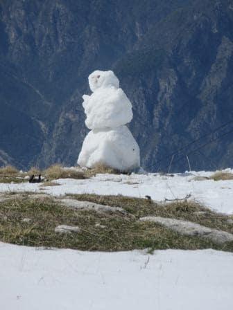 Wird wohl weniger auf dem Monte Baldo wandern gehen; unser Schneeman schwimmt eher davon