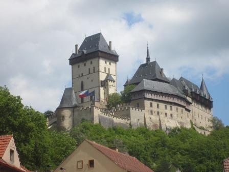 Ein echtes Wander-Highlight für Tschechien: die Burg Karlstejn