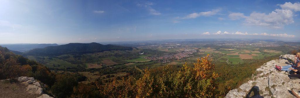 Über die Burg Teck geht es zum Breitenstein mit tollen Aussichten auf das Umland!
