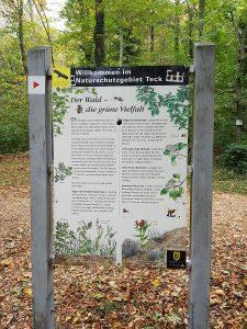 Tafeln klären uns über Flora und Fauna auf