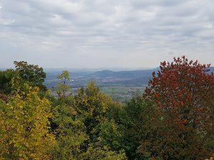 Eine grandiose Aussicht bietet die Burg Teck auf die Schwäbische Alb!