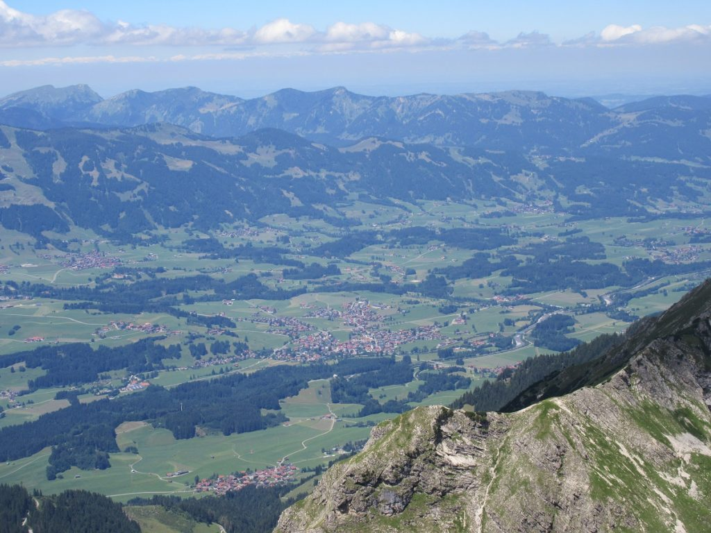 Der Lohn für das Wandern auf das Nebelhorn: Aussicht Richtung Sonthofen!