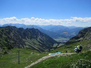 Paragliding oder Tandemfliegen als Alternative zum Wandern auf das Nebelhorn ab der Bergstation Höfatsblick