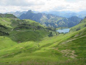 Wir wandern auf das Nebelhorn und können eine Zwischenrunde am Seealpsee einlegen