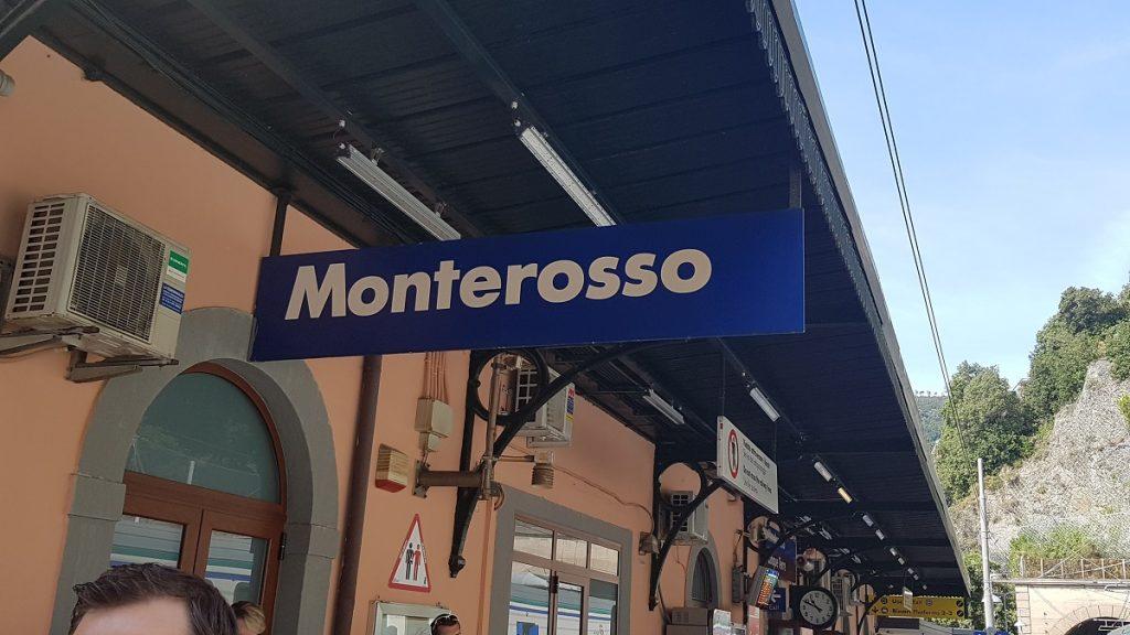 Wir starten die Wanderung durch die Cinque Terre am Bahnhof von Monterosso al Mare.