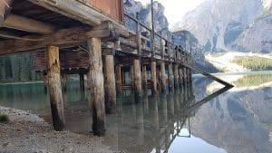"""Das Bootshaus am Pragser Wildsee oder Lago di Braies ist als instagram Hotspot (""""instaplace"""") berühmt geworden!"""