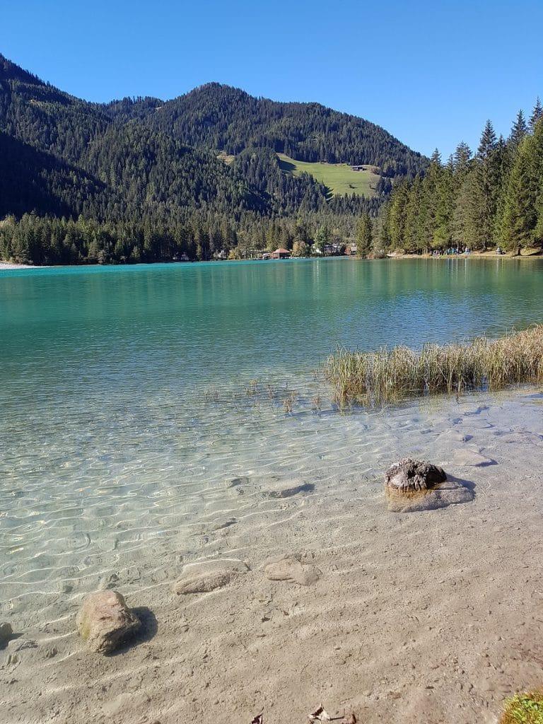 Auch der Toblacher See lädt zu einer tollen Rundwanderung ein!
