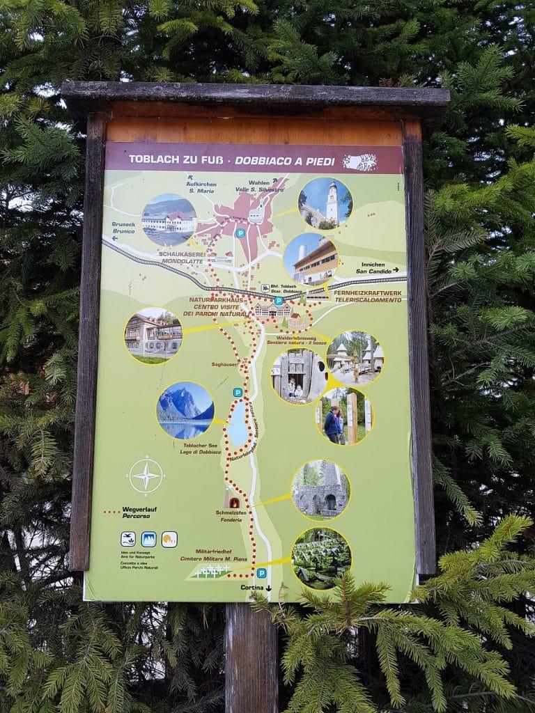 Wer um den Toblacher See wandern geht, wird durch Schilder über Flora und Fauna aufgeklärt!
