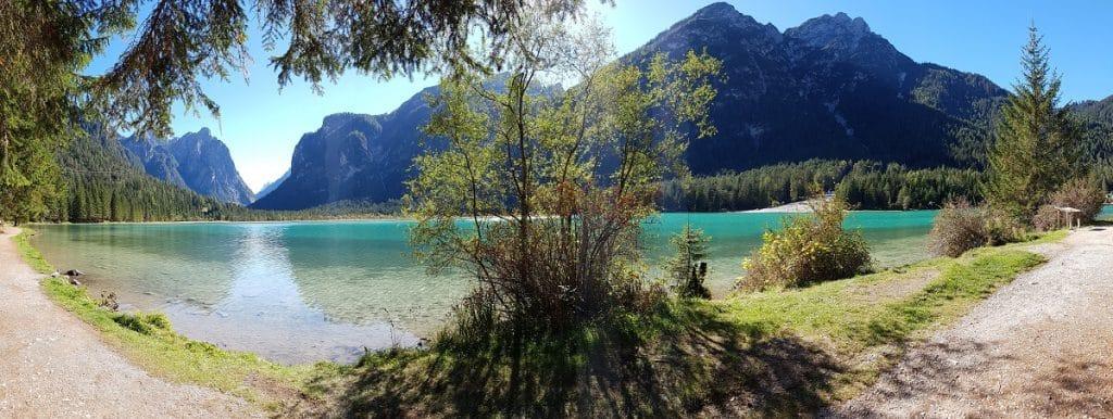 Wunderschön: einmal um den Toblacher See wandern!
