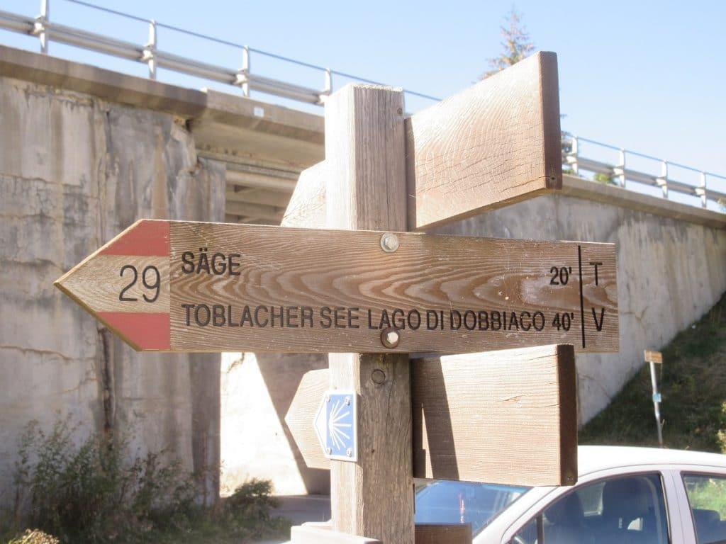 Der Weg zum Toblacher See ist bestens ausgeschildert!