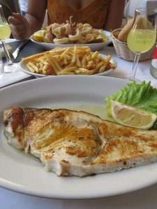 In der Cinque Terre wandern macht hungrig. Schwertfisch und Calamares sorgen für Abhilfe!