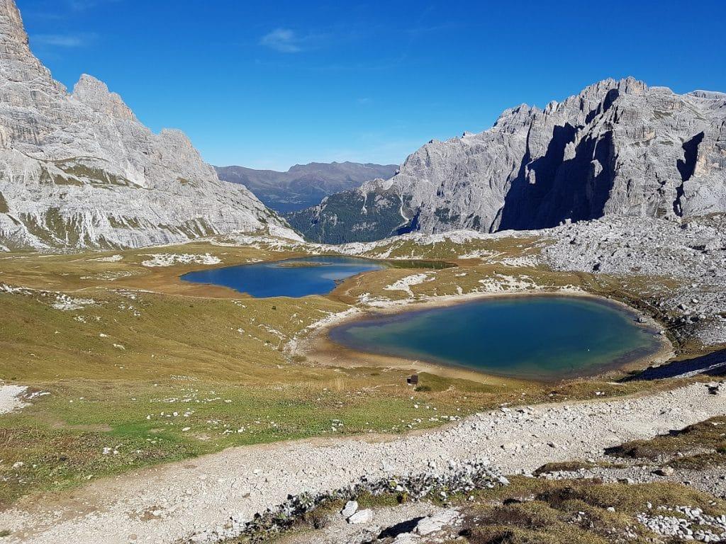 Zwei Mini-Bergseen hinter der Dreizinnenhütte sind ein tolles Fotomotiv!