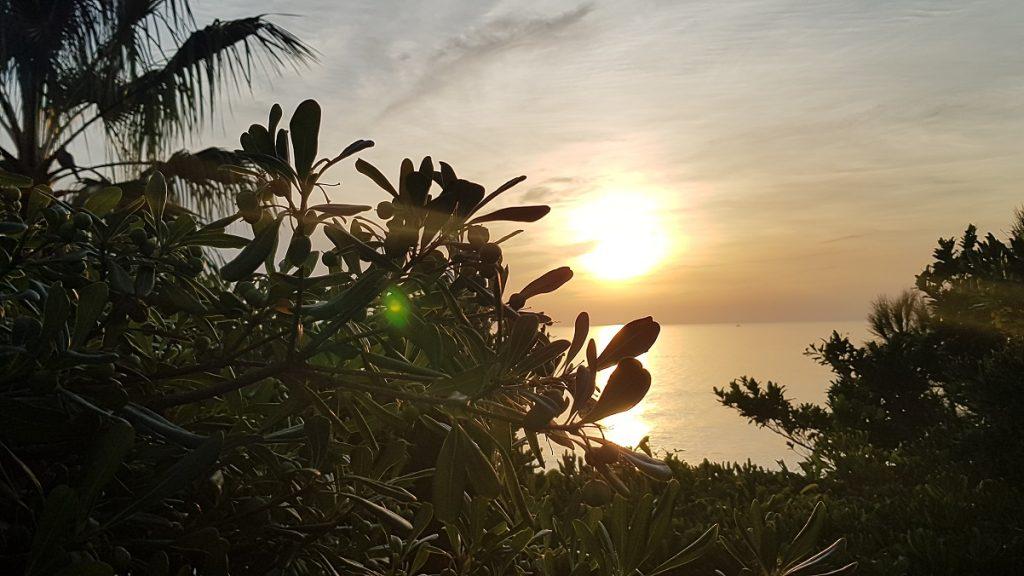Ein wahnsinnig schöner Sonnenuntergang erwartet uns, nachdem wir durch die Cinque Terre wandern waren!