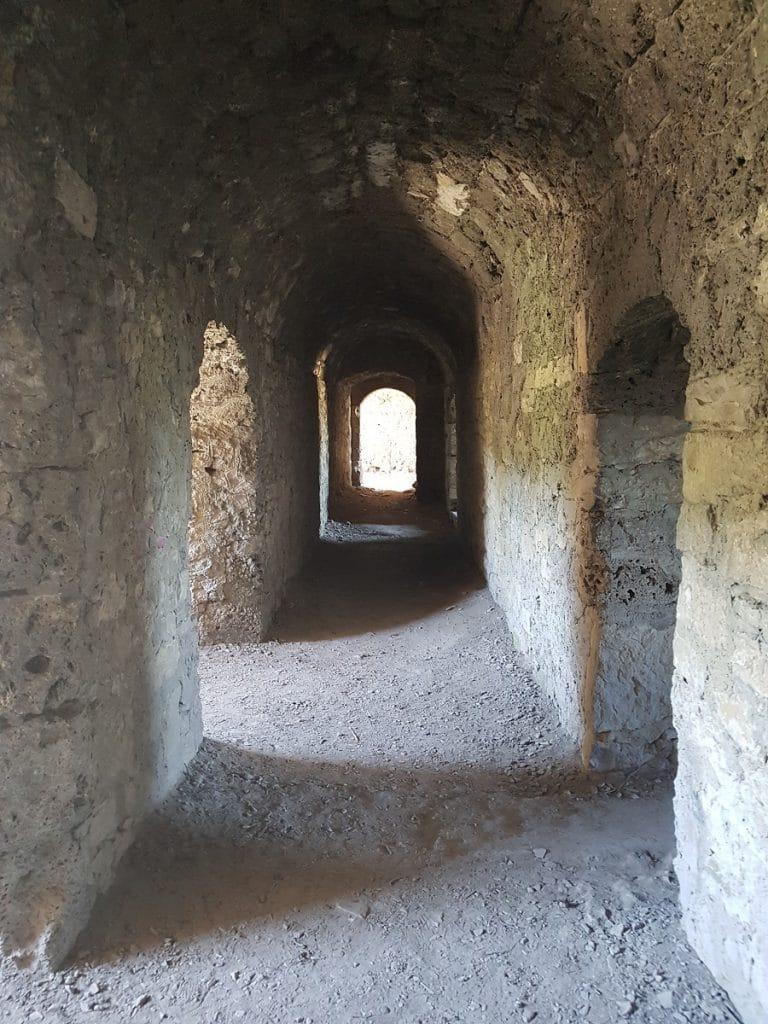 Falls ihr von einem Schauer überrascht werden solltet: die Ruine Hohenurach bietet Unterschlupf!