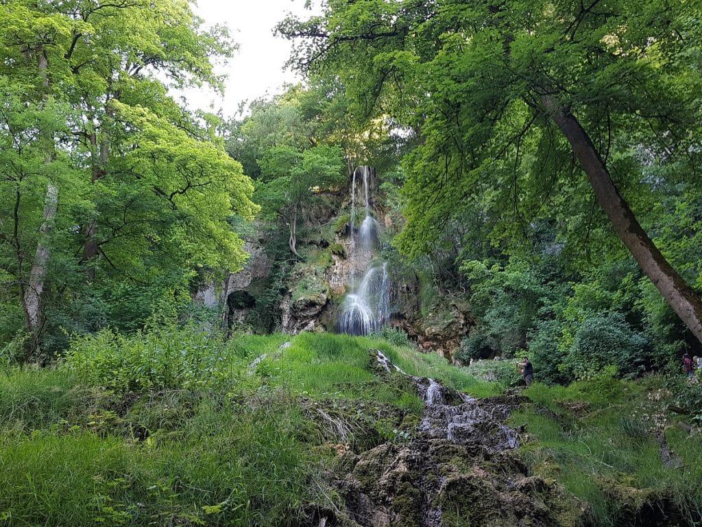 An den Wasserfällen Bad Urach wandern ist ein Highlight auf der Schwäbischen Alb!
