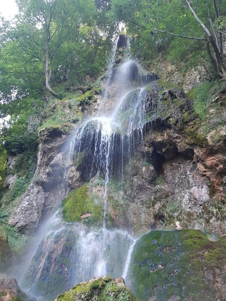 Den Wasserfallsteig in Bad Urach wandern gehen: ein tolles Erlebnis!