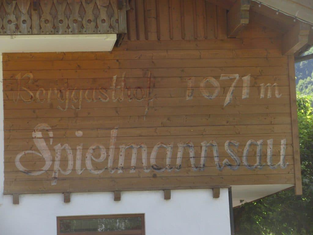 Berggasthof Spielmannsau und Landhaus Spielmannsau laden beim Wandern zum Rasten und Übernachten ein!