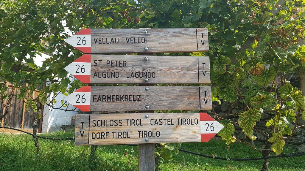 Wer vom Dorf Tirol nach Partschins geht, sollte am besten dem Wanderweg 26 folgen!