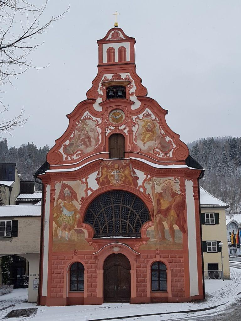 Die pittoreske Spitalkirche in Füssen ist auch ein beliebtes Fotomotiv!