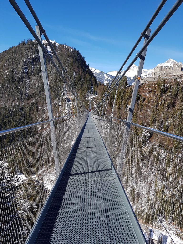 Winterwandern in Reutte in Tirol an der Burg Ehrenberg!