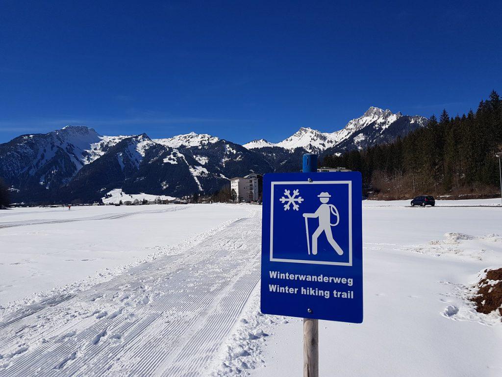 Ist das geil? Ein Winterwanderweg in Reutte mit Blick auf die Bergwelt der Alpen! Traumhaft schön!