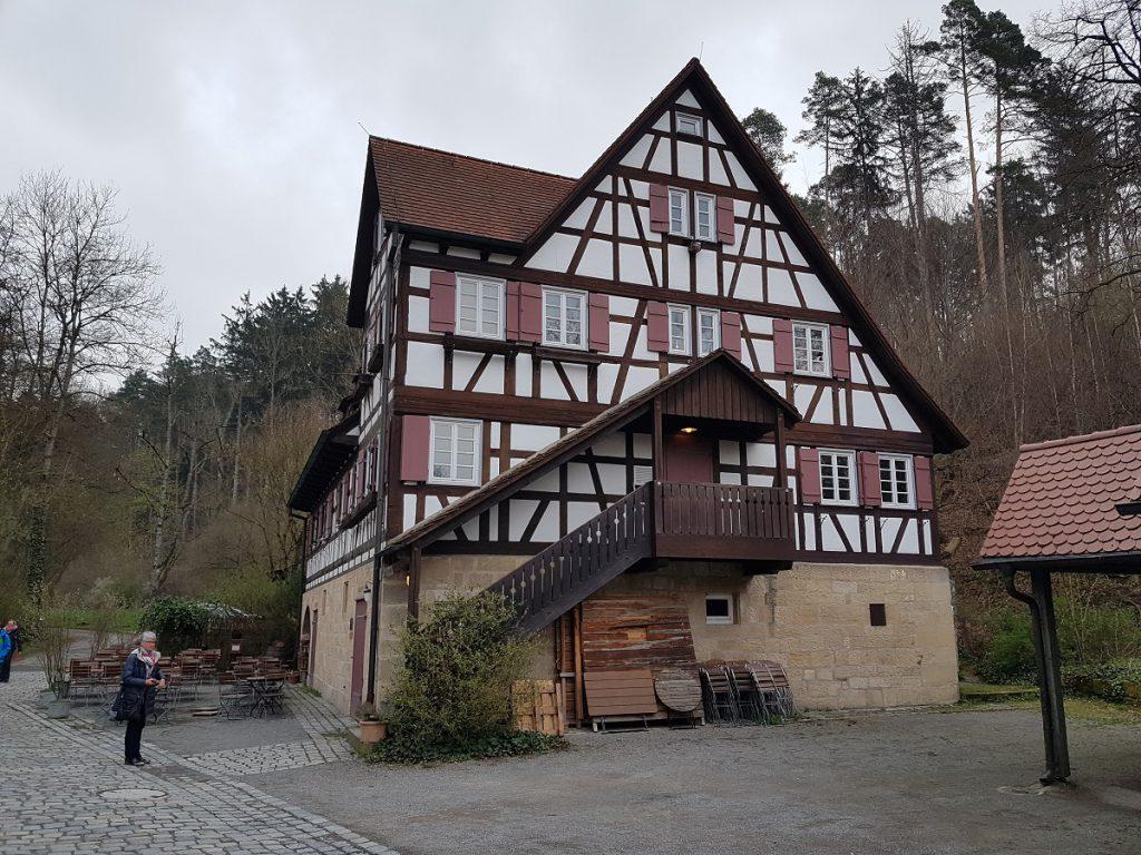 """Wer durch das Siebenmühlental wandern geht, kommt auch an der Mäulesmühle vorbei. Bekannt duch die SWR-Sendung """"Hannes und der Bürgermeister""""!"""