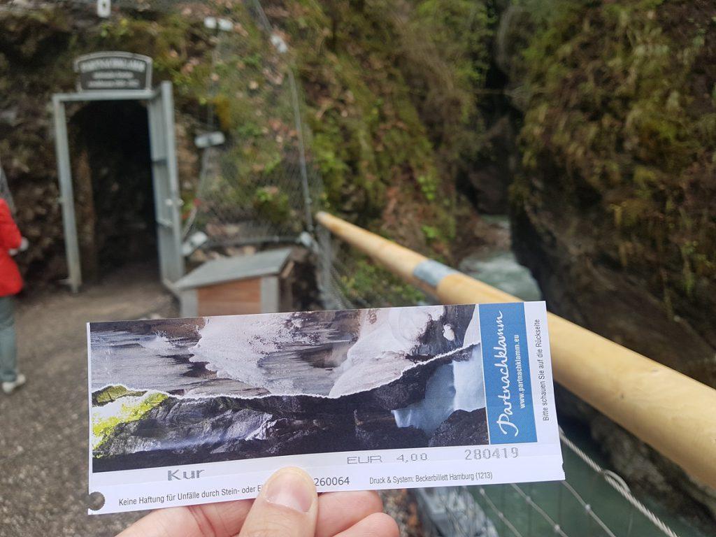 Eingang und Eintrittskarte Partnachklamm: wir wandern durch die Schlucht bei Garmisch-Partenkirchen!