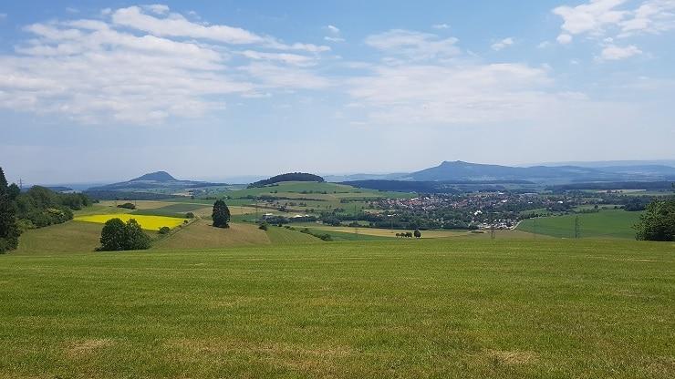 Schöne Aussicht auf die Vulkanlandschaft vom Hegau