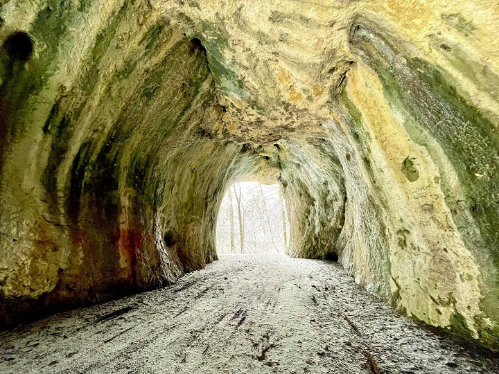 toller Blick in eine Höhle