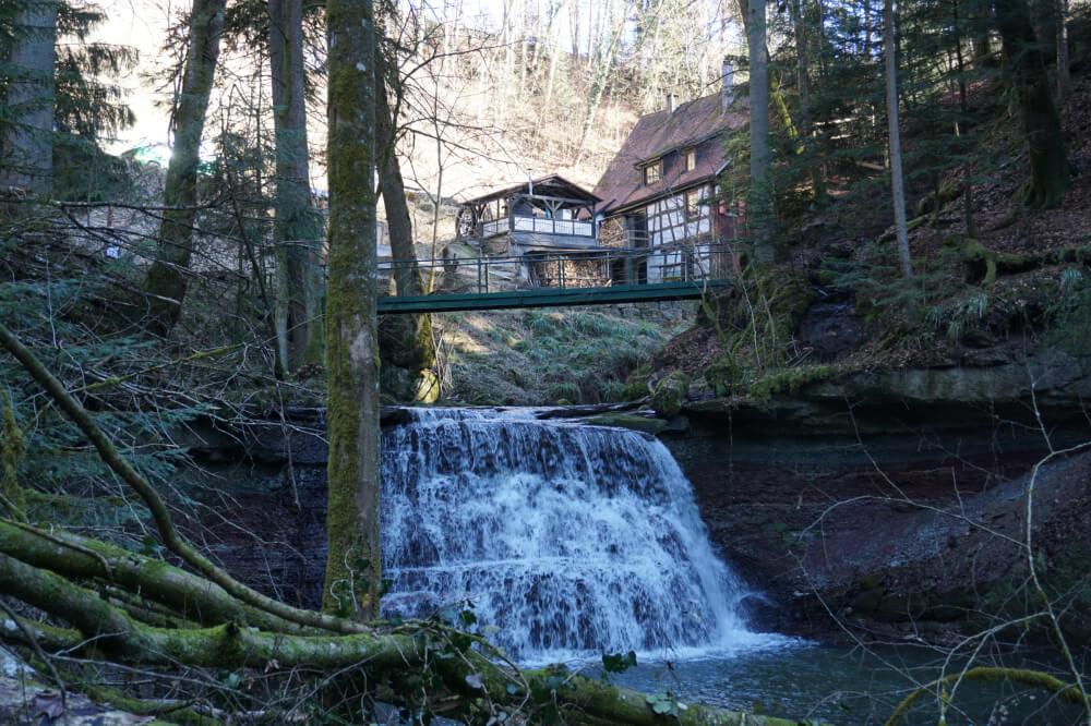 Wasserfall an der Laufenmühle