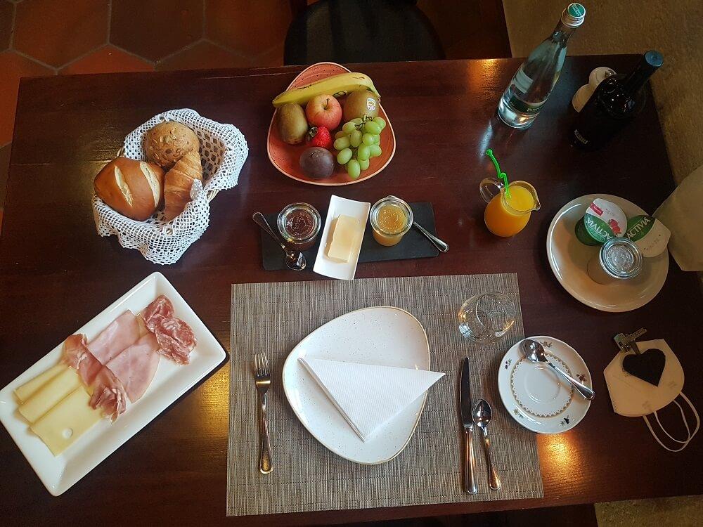Frühstück Hotel Häusern