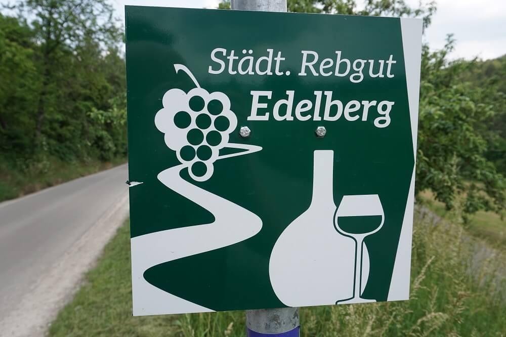 Wegmarkierung Edelberg Rebgut