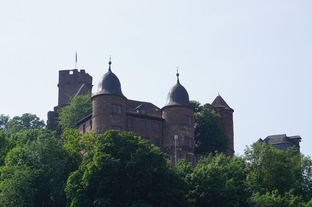 Frontalansicht Burg Wertheim