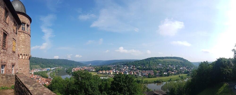 Panoramaussicht Wertheim blauer Himmel