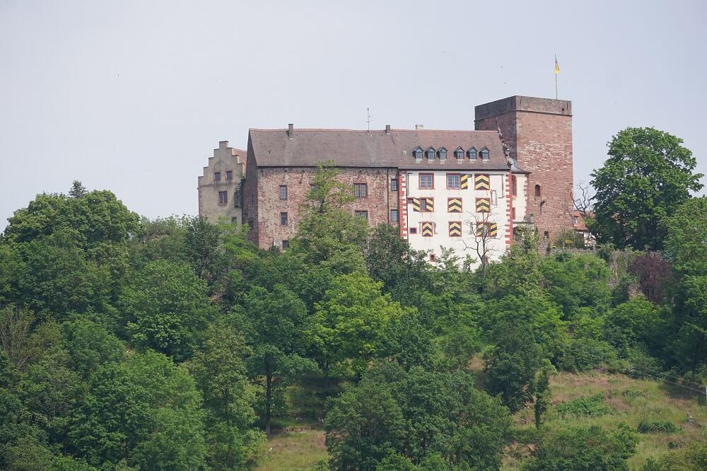 Burg Gamburg auf dem Jakobsweg Main-Taubertal
