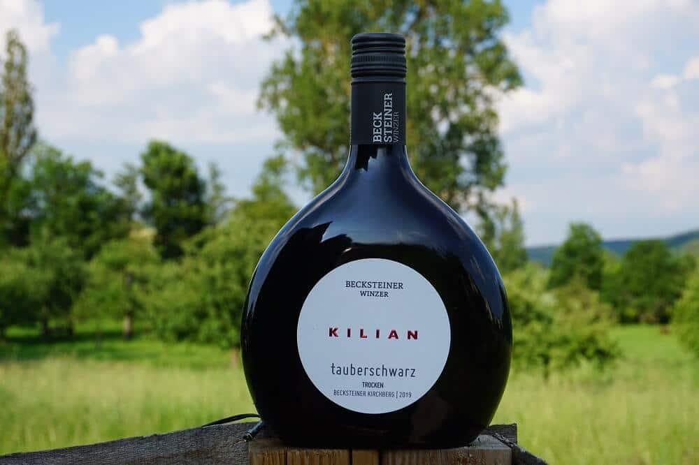 Flasche Wein aus dem Taubertal