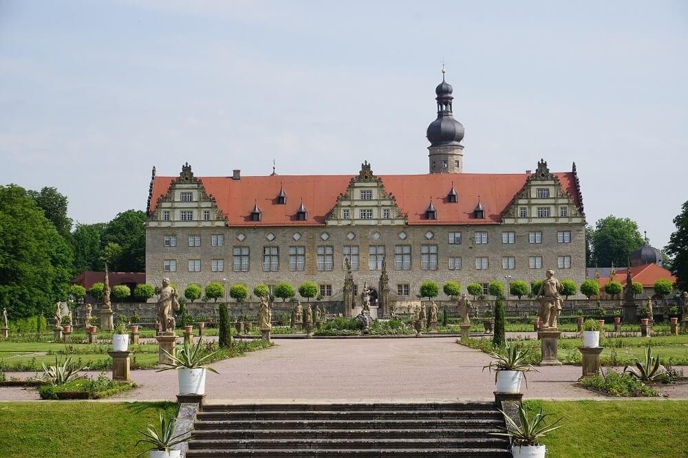 Frontalansicht auf das Schloss Wertheim